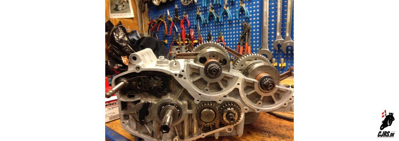 Opdatering på RG 500 motor genopbygning